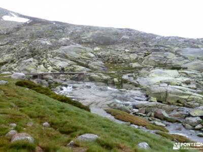 Laguna Grande-Sierra de Gredos; imagenes del monasterio de piedra ropa polar excursiones en granada
